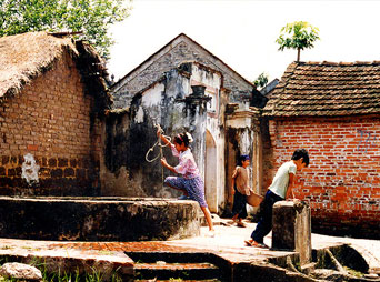 Duong Lam Village - Viet Ancient Village Tour full day